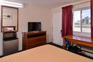 Room - Red Carpet Inn Worthington