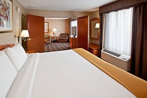 Suite - Holiday Inn Express Hotel & Suites Greenwood