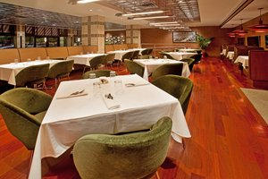 Restaurant - Crowne Plaza Chicago West Loop Hotel