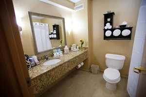 - Holiday Inn Express Hotel & Suites Vineland