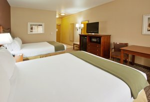 Room - Holiday Inn Express Hotel & Suites Willows