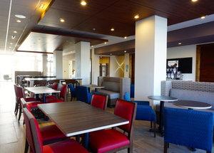 Restaurant - Holiday Inn Express Hotel & Suites I Street Omaha