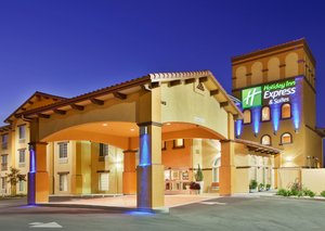 Exterior view - Holiday Inn Express Hotel & Suites Willows