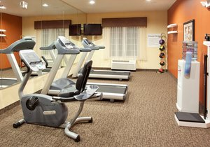 Fitness/ Exercise Room - Holiday Inn Express Hotel & Suites Willows