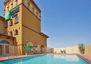 Pool - Holiday Inn Express Hotel & Suites Willows