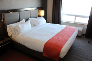 Room - Holiday Inn Express Hotel & Suites Bonnyville
