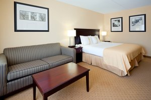 Room - Holiday Inn East Windsor