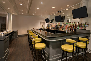 Bar - Crowne Plaza Hotel Englewood