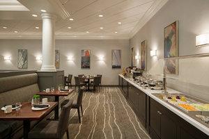 Restaurant - Crowne Plaza Hotel Englewood