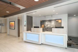 Lobby - Holiday Inn Express Hotel & Suites Radcliff