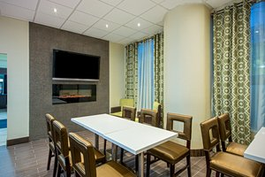 Restaurant - Holiday Inn Express Hotel & Suites Downtown Regina