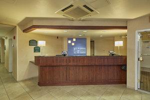 Lobby - Holiday Inn Express Springfield