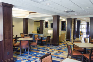 Restaurant - Fairfield Inn & Suites by Marriott Slippery Rock