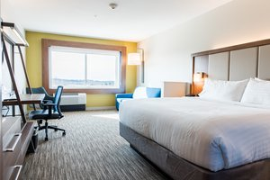 Suite - Holiday Inn Express Hotel & Suites East Madison