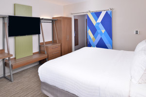 Room - Holiday Inn Express Hotel & Suites East Madison