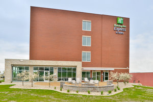 Exterior view - Holiday Inn Express Hotel & Suites East Madison