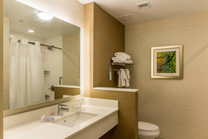 - Fairfield Inn & Suites by Marriott Butte