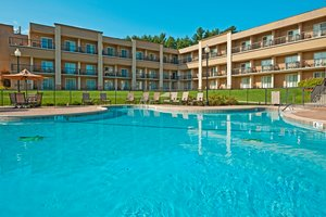 Pool - Holiday Inn Lake George