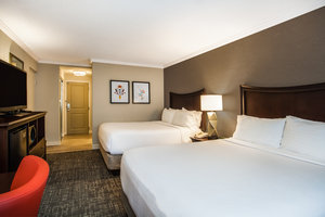 Room - Holiday Inn Lake George