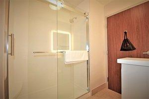 - Holiday Inn Express Hotel & Suites Ocala