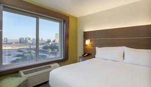 Room - Holiday Inn Express Airport West Las Vegas