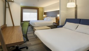 Suite - Holiday Inn Express Airport West Las Vegas