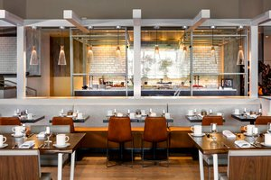 Restaurant - Renaissance Denver Hotel