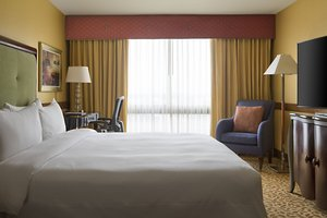 Suite - Marriott Hotel Hobby Airport Houston