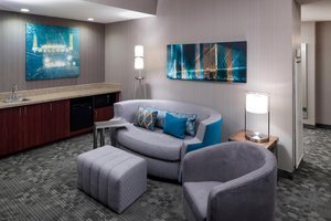 Suite - Courtyard by Marriott Hotel Downtown Omaha