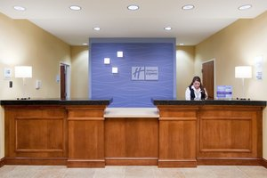 Lobby - Holiday Inn Express Hotel & Suites Airport Denver