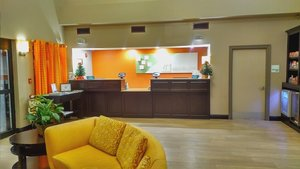 Lobby - Holiday Inn Hotel & Suites Opelousas
