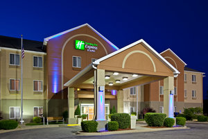 Exterior view - Holiday Inn Express Hotel & Suites Bedford