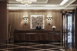 Lobby - Four Seasons Hotel Boston