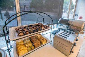 Restaurant - Staybridge Suites Downtown Denver