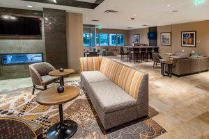 Lobby - Staybridge Suites Downtown Denver