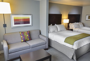 Suite - Holiday Inn Express Hotel & Suites Claremore