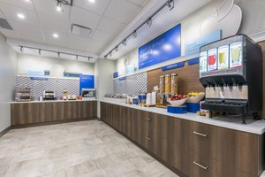 Restaurant - Holiday Inn Express Hotel & Suites North Moncton