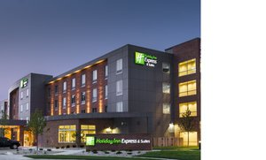 Exterior view - Holiday Inn Express Hotel & Suites Central Madison