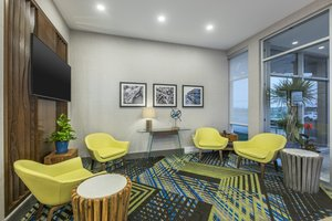 Lobby - Holiday Inn Express Hotel & Suites North Moncton