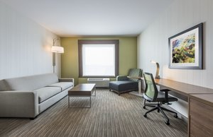 Room - Holiday Inn Express Hotel & Suites North Moncton