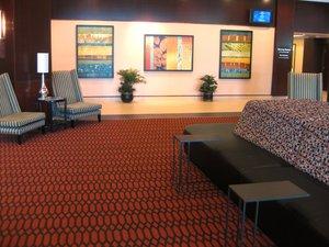 Lobby - Crowne Plaza Hotel Grand Rapids Airport