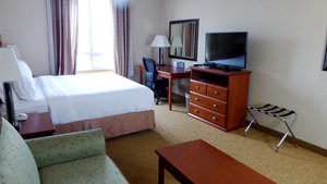 Suite - Holiday Inn Express Hotel & Suites Grande Prairie
