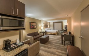Suite - Holiday Inn Express Hotel & Suites North Tollway Plano
