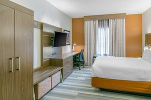 Suite - Holiday Inn Express Mt Arlington