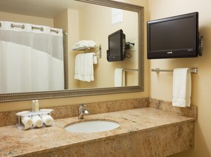 - Holiday Inn Express Hotel & Suites Winona