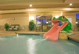 Pool - Holiday Inn Express Hotel & Suites Winona