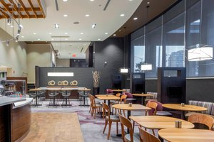 Restaurant - Courtyard by Marriott Hotel Fresh Meadows