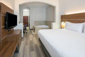 Room - Holiday Inn Express Hotel & Suites Grand Prairie
