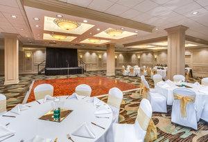 Ballroom - Crowne Plaza Hotel Executive Center Baton Rouge