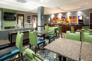 Restaurant - Holiday Inn Express Hotel & Suites Picayune